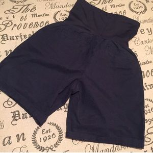 GAP maternity shorts roll up boyfriend